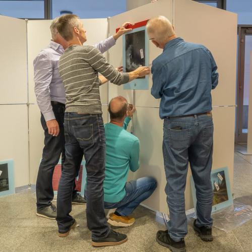 Aufbauarbeiten am 9.11.2018 bei der Sparkasse Landshut Bild 1