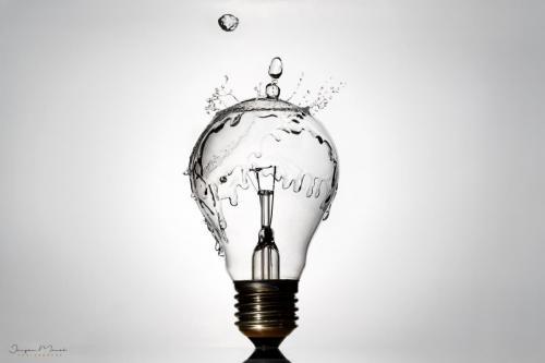 Splashing lightbulb