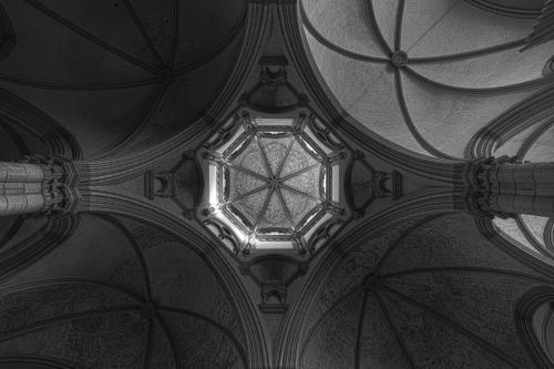 St. Lukas zentrale Kuppel 01 hdr sw