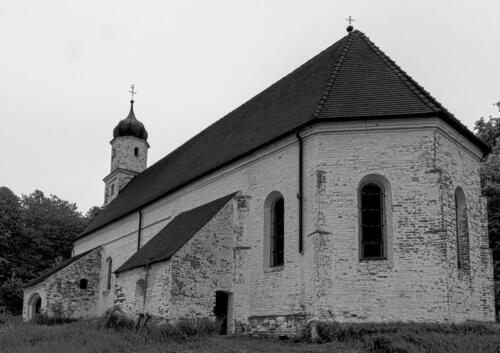 verlassene-Kirche-bei-Exing 01 hdr sw-hans